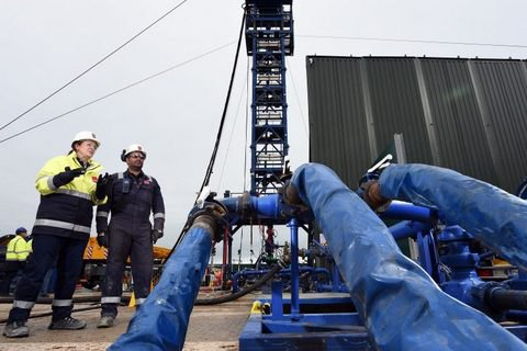 Великобритания ввела мораторий на добычу газа методом фрекинга