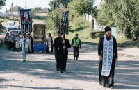 Участники крестного хода согласились пересесть на автобусы, - Аваков