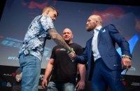 Стали известны гонорары Макгрегора и Порье за бой на турнире UFC 257