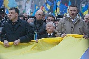 Евромайдан в понедельник займется Азаровым