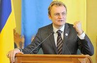 Янукович пожелал Садовому в день рождения неисчерпаемой энергии
