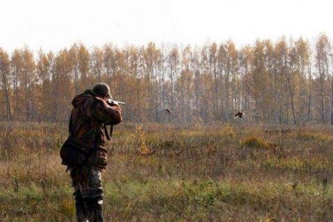 В Черкасской области браконьер наехал автомобилем на полицейского