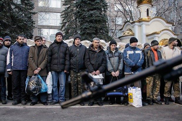 Полонені в Донецьку перед обміном