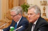 Кваснєвський і Кокс назвали обнадійливим рішення суду у справі Порошенка