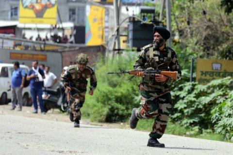 В Індії під час нападу бойовиків на поліцейську дільницю загинули 9 осіб