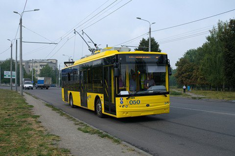 ВЛисичанске остановились троллейбусы из-за долгов заэлектроэнергию