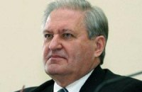 Янукович уволил Тихонова и Хиврича