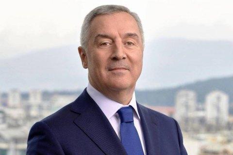 Порошенко поздравил Джукановича с победой на президентских выборах в Черногории