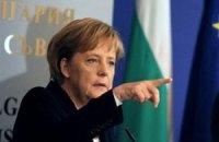 Меркель рассказала, когда примет решение, ехать ли на Евро