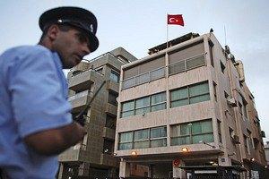 Гражданин Молдовы просидел 25 часов на подъемном кране