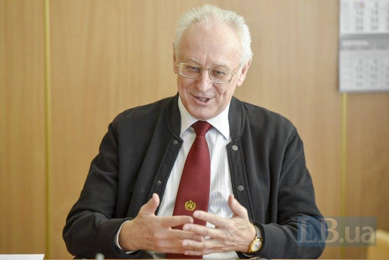 Сергій Степаненко брав участь у роботі експертних груп ООН, очолював профільні групи в МОН і є ректором Одеського державного екологічного університету.