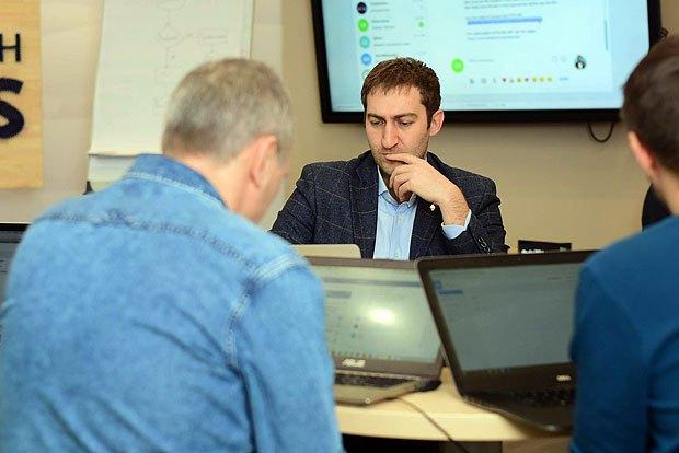 Михаил Чобанян во время практикума Fintechstars