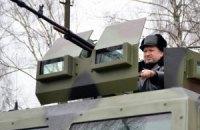Турчинов провів огляд нової техніки під Києвом