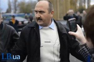 """Міліція в цивільному знову """"пресує"""" активістів"""