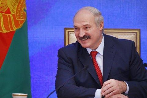 Лукашенко вперше після зняття санкцій прилетів в ЄС