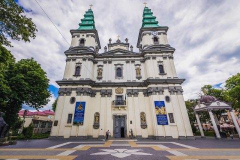 В Тернополе усиливают карантин и разрешат богослужения только на улице