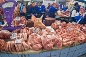 Україна заборонила свинину з Литви