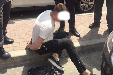 Співробітників ДФС в Київській області затримали на отриманні 260 тис. гривень хабара