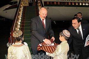 Лукашенко купил роскошный самолет покойного туркменбаши