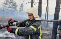 На Луганщині рятувальники продовжують гасити сім осередків займання