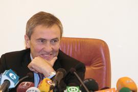 Янукович поздравил Черновецкого с днем рождения