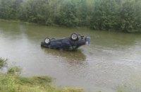 В Ивано-Франковской области автомобиль упал в реку, погибли два человека