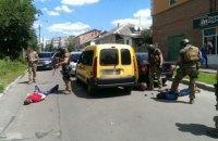 В Житомире за продажу наркотиков задержаны трое полицейских