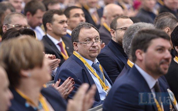 Микола Княжицький (в центрі)