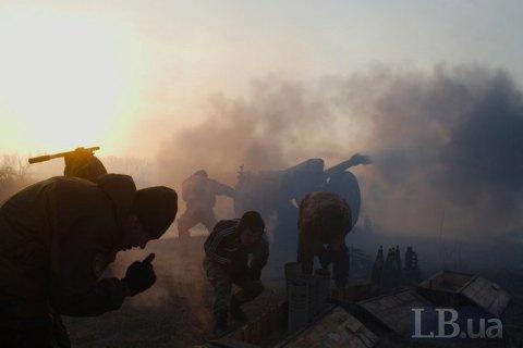Окупанти на Донбасі поранили українського бійця