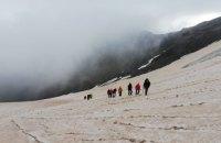 В горах Грузии погиб украинский альпинист, еще одного сняли живым
