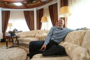 Кличко відмовився показувати квартиру активістам