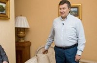 Юрий Антонов трижды спел Януковичу «Мечта сбывается»