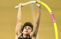 Дюплантіс вдруге за тиждень побив світовий рекорд у стрибках з жердиною