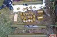 Міліція виявила склад зброї на лінії розмежування в Луганській області