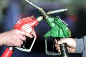 Ставицкий обещает продлить устаревший стандарт топлива