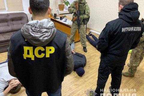 В Запорожской области задержали банду, совершившую около 20 преступлений