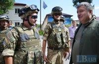 Аваков запропонував терміново перевести армію на контракт