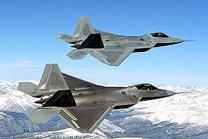 США перебросили в Эстонию два истребителя F-22