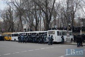Оппозиция требует снять милицейские кордоны в центре Киева