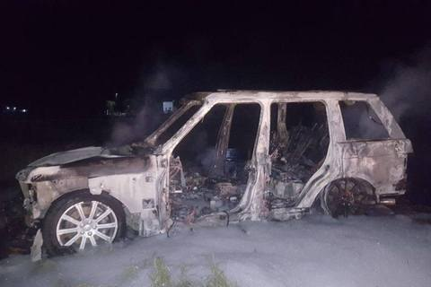 У Херсоні нальотники пограбували ювелірний магазин і спалили автомобіль, утікаючи від поліції (оновлено)