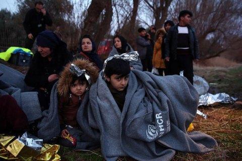 На кордоні США та Мексики утворився гігантський табір із понад 10 тисяч мігрантів