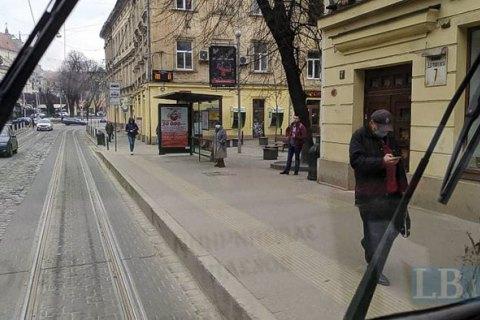 У поліції пояснили, як будуть трактувати заборону на відвідування громадських місць без маски