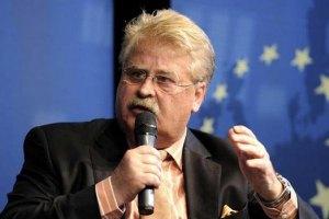 """Янукович """"заболел"""" из-за нежелания встречаться с евродепутатами, - Брок"""