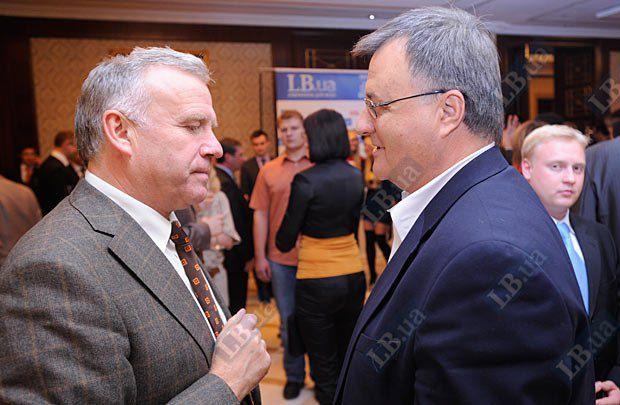 Станислав Николаенко, Министр образования и науки Украины (2005-2007 гг.) (слева) и Евгений Быстрицкий, глава Международного фонда Відродження