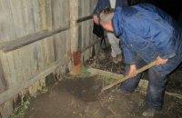 Житель Константиновки закопал в огороде боевые гранаты