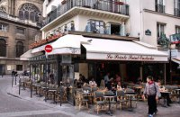 Во Франции рестораны и кафе откроют со 2 июня