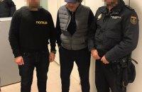 """Поліція видворила в Іспанію """"злодія в законі"""" на прізвисько """"Батир Бухарський"""""""