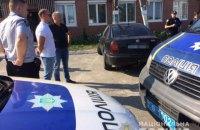 Під Києвом виявили автомобіль з мертвим чоловіком