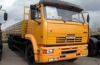 Захоплені в Чернігові вантажівки повернули КамАЗу