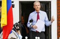 Британія відхилила запит Еквадору про надання дипстатусу Ассанжу